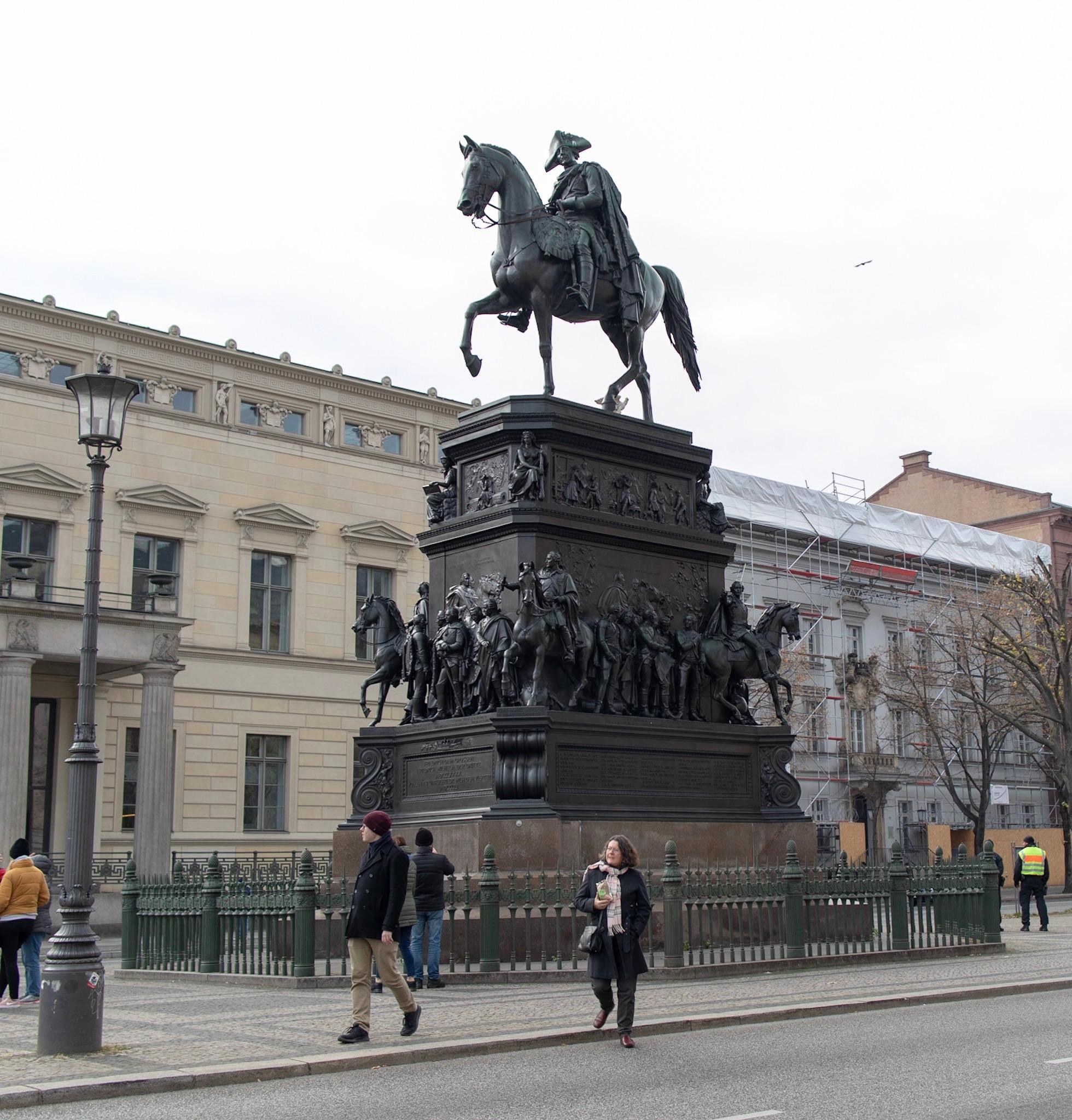 Statue of King Friedrich II